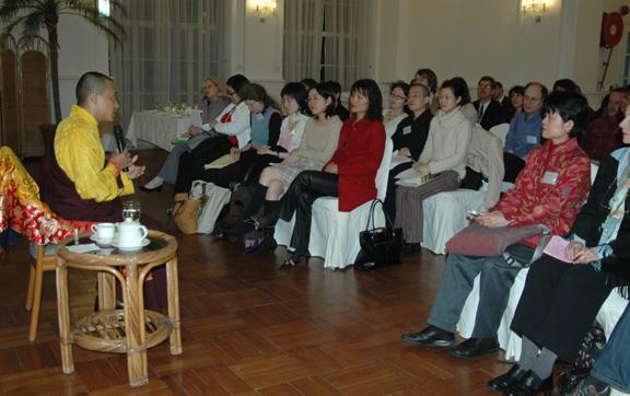 2005年薩姜在香港傳法