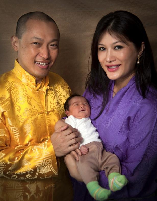 恭喜薩姜與薩姜王母喜獲第二個麟女「杰桑.玉卓」(翠藍公主!