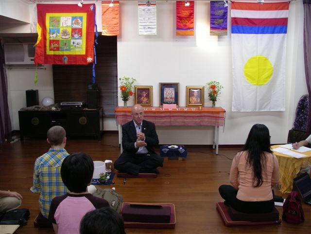 200年香巴拉總裁Richard Reoch在台北教導禪修課程