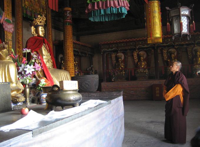 2007年薩姜率眾朝禮五台山文殊聖地